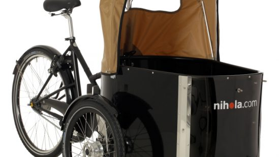 nihola-Family-cargo-bike-ladcykel-oblique-open-hood1